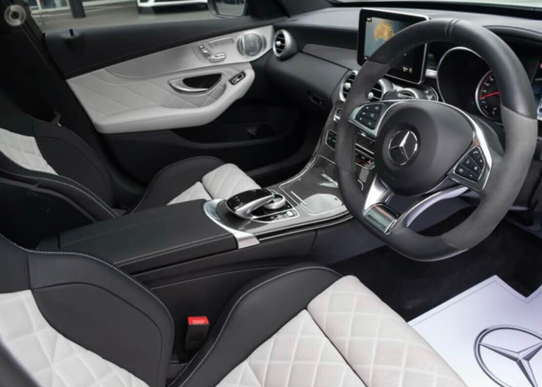 Mercedes Benz limousine hire